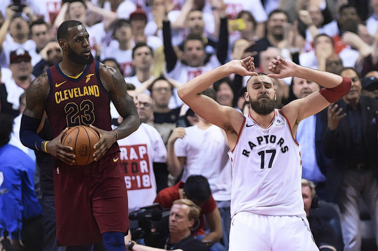 Day 18 of the NBA Playoffs: Cavs Steal Game 1, Curry's Return Sparks Dubs